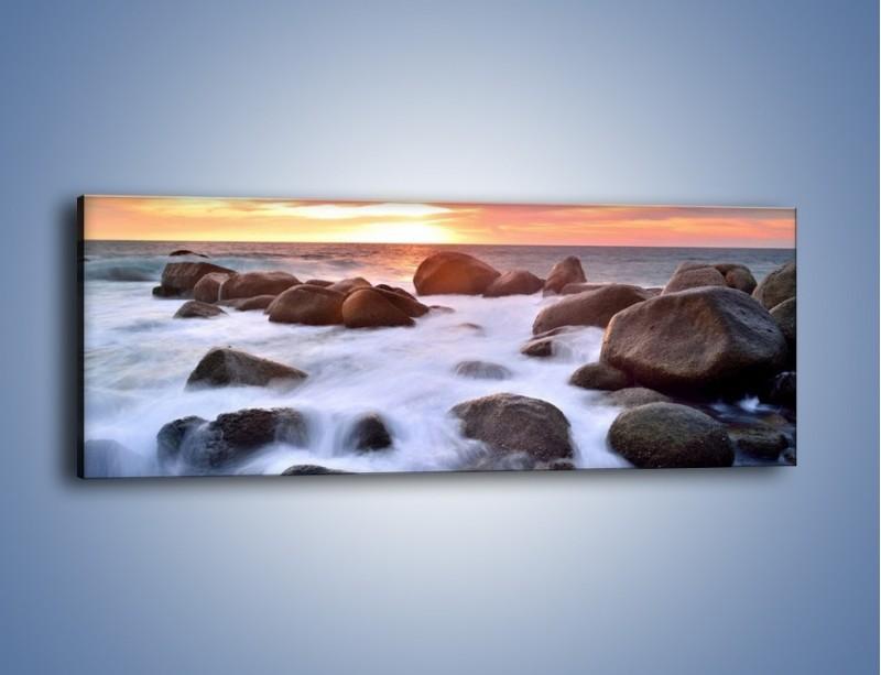 Obraz na płótnie – Kamienie zatopione w morzu – jednoczęściowy panoramiczny KN930