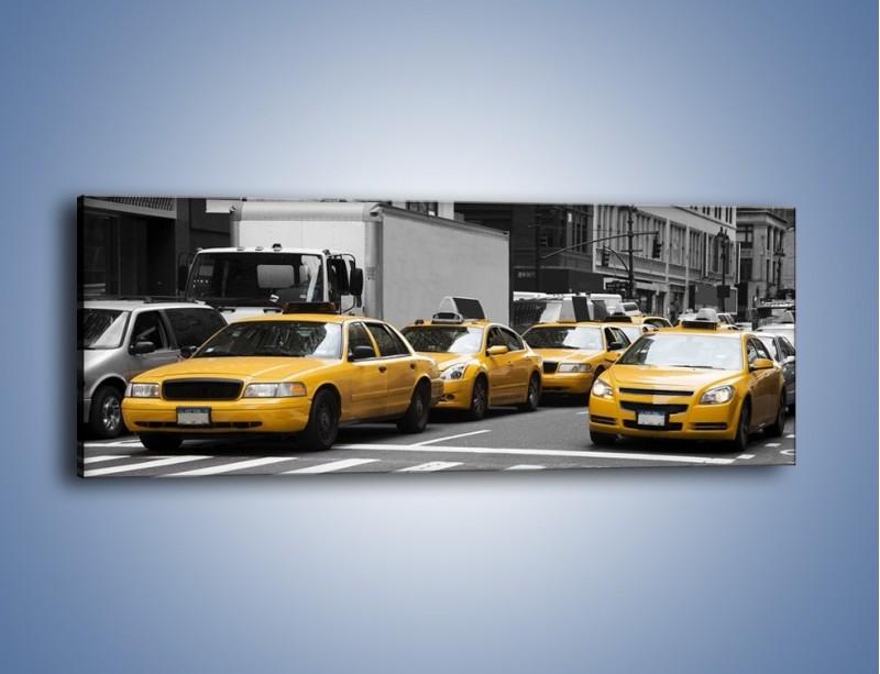 Obraz na płótnie – Amerykańskie taksówki w korku ulicznym – jednoczęściowy panoramiczny TM219