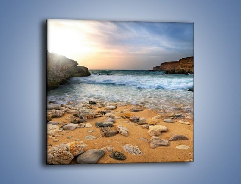 Obraz na płótnie – Kamienista plaża o poranku – jednoczęściowy kwadratowy KN043