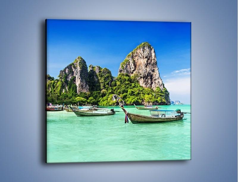 Obraz na płótnie – Komplet łódek na morzu – jednoczęściowy kwadratowy KN1031