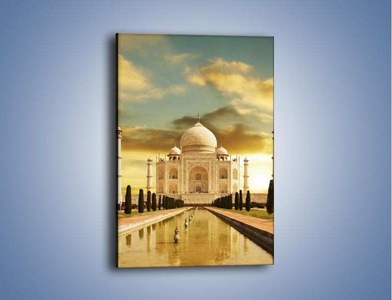 Obraz na płótnie – Tadź Mahal o zachodzie słońca – jednoczęściowy prostokątny pionowy AM285