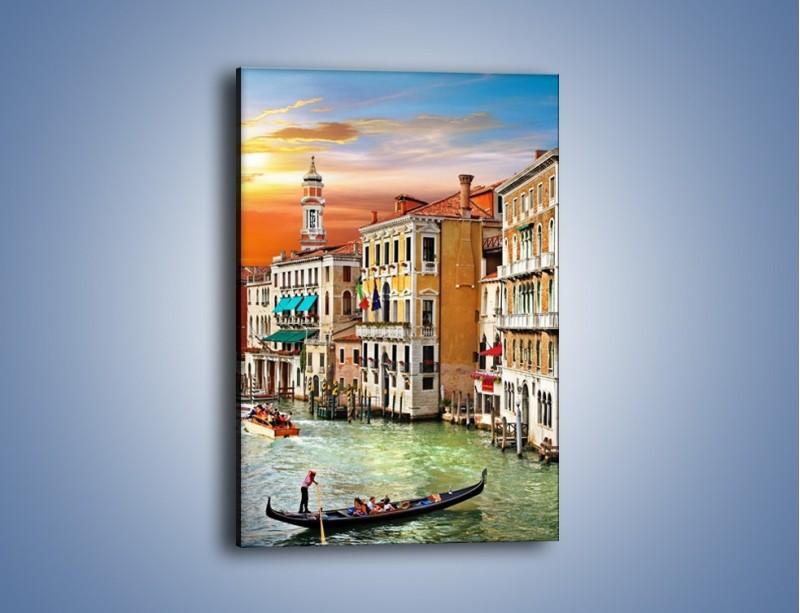 Obraz na płótnie – Kolory Wenecji o zachodzie słońca – jednoczęściowy prostokątny pionowy AM307