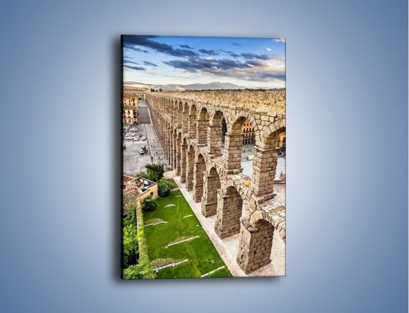 Obraz na płótnie – Akwedukt w Segowii – jednoczęściowy prostokątny pionowy AM456