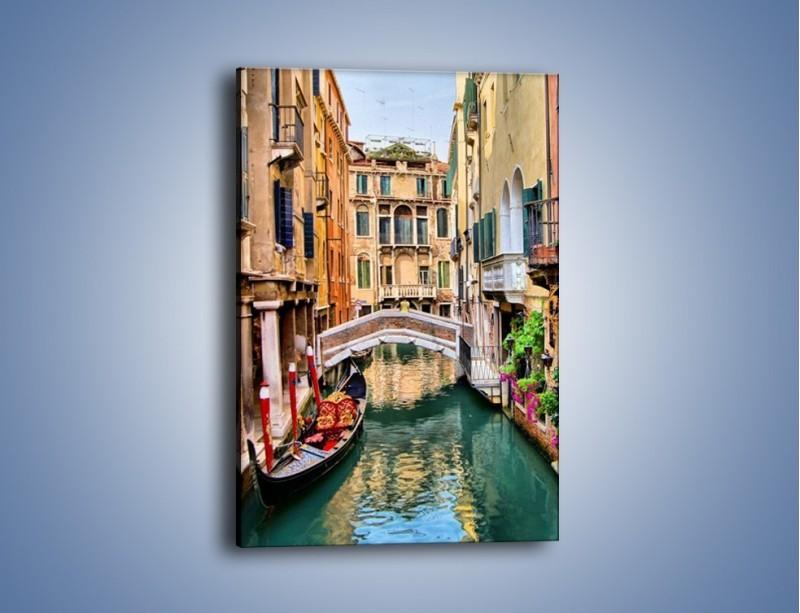 Obraz na płótnie – Wenecka wodna uliczka – jednoczęściowy prostokątny pionowy AM508