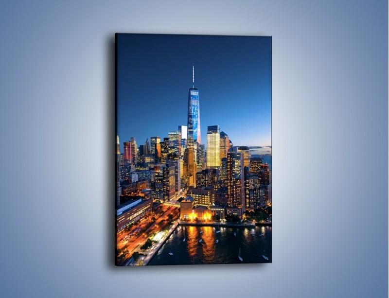 Obraz na płótnie – Zmierzch nad Manhattanem – jednoczęściowy prostokątny pionowy AM749