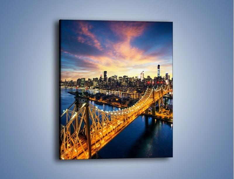Obraz na płótnie – Queensboro Bridge w Nowym Yorku – jednoczęściowy prostokątny pionowy AM768