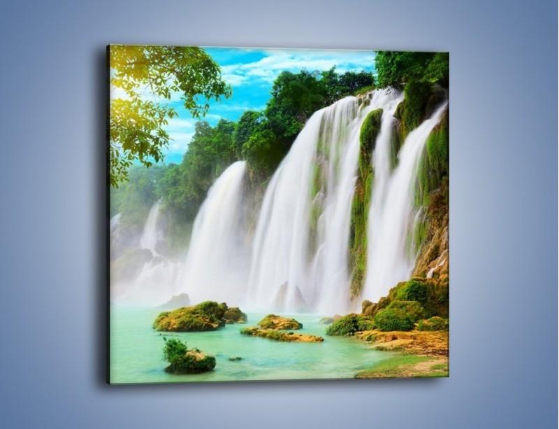Obraz na płótnie – Wilgotny nawiew z wodospadu – jednoczęściowy kwadratowy KN1138A