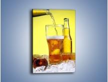 Obraz na płótnie – Dolewka złotego napoju – jednoczęściowy prostokątny pionowy JN115