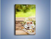 Obraz na płótnie – Filiżanka herbaty na tarasie – jednoczęściowy prostokątny pionowy JN414