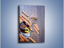 Obraz na płótnie – Grzaniec z cynamonem i i goździkiem – jednoczęściowy prostokątny pionowy JN622