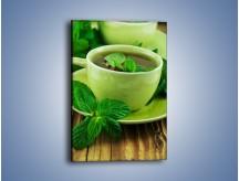Obraz na płótnie – Zielona moc w herbacie – jednoczęściowy prostokątny pionowy JN734