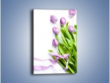 Obraz na płótnie – Fioletowe piękno z tulipanem – jednoczęściowy prostokątny pionowy K548