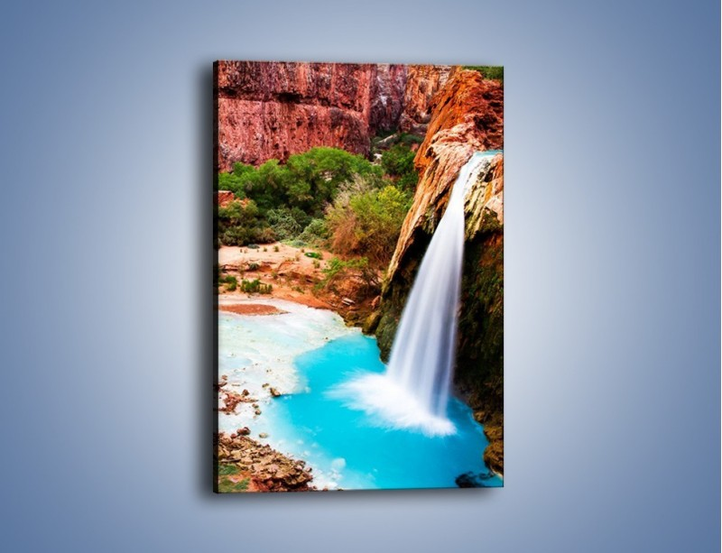 Obraz na płótnie – Zabawy przy wodospadzie – jednoczęściowy prostokątny pionowy KN095