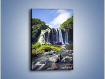 Obraz na płótnie – Kamiennym krokiem do wodospadu – jednoczęściowy prostokątny pionowy KN878