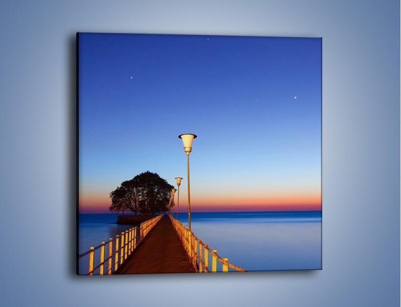 Obraz na płótnie – Wieczorny spacer po tafli morza – jednoczęściowy kwadratowy KN759