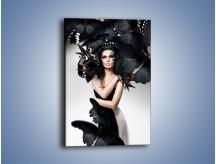 Obraz na płótnie – Kobieta wśród czarnych motyli – jednoczęściowy prostokątny pionowy L062