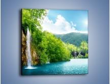Obraz na płótnie – Cały urok górskich wodospadów – jednoczęściowy kwadratowy KN769