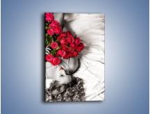 Obraz na płótnie – Kobieta z bukietem róż – jednoczęściowy prostokątny pionowy L381