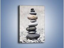 Obraz na płótnie – Ciekawa kamienna piramida – jednoczęściowy prostokątny pionowy O117