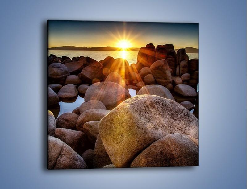 Obraz na płótnie – Kamienna wyspa w słońcu – jednoczęściowy kwadratowy KN888