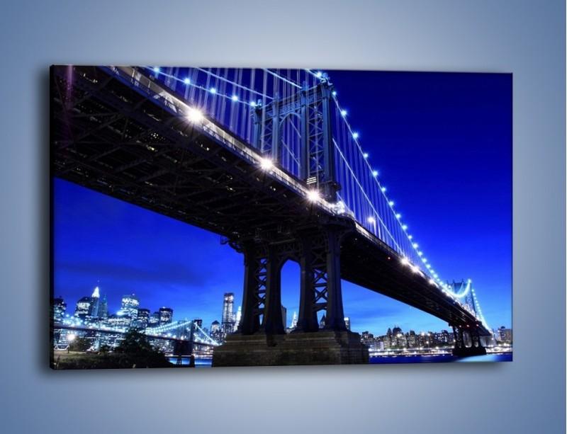 Obraz na płótnie – Oświetlony most wieczorem – jednoczęściowy prostokątny poziomy AM003