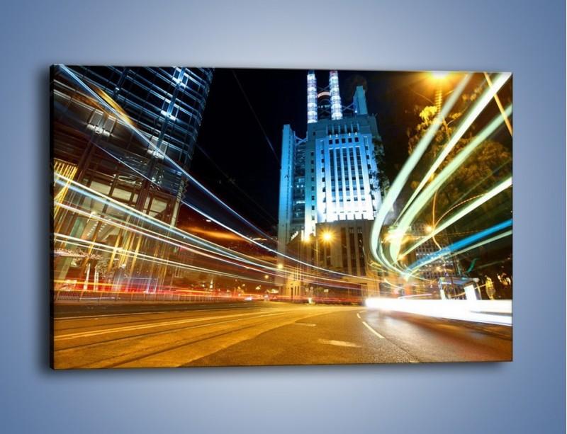 Obraz na płótnie – Światła w ruchu ulicznym – jednoczęściowy prostokątny poziomy AM048