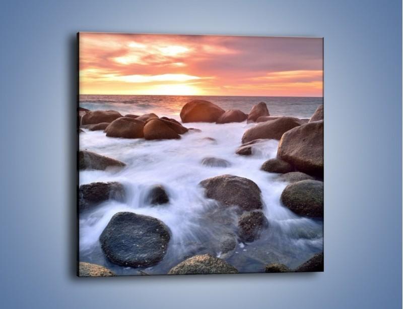 Obraz na płótnie – Kamienie zatopione w morzu – jednoczęściowy kwadratowy KN930