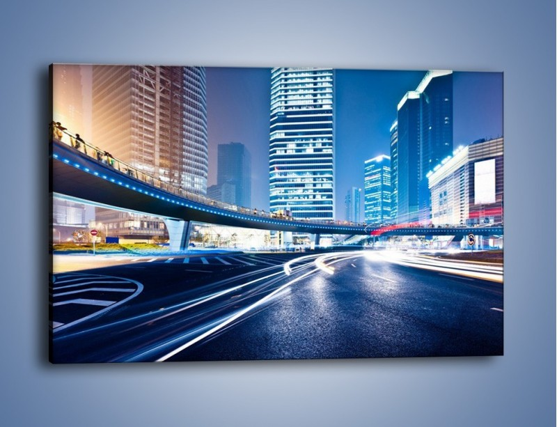 Obraz na płótnie – Wieczorny ruch uliczny w centrum miasta – jednoczęściowy prostokątny poziomy AM051