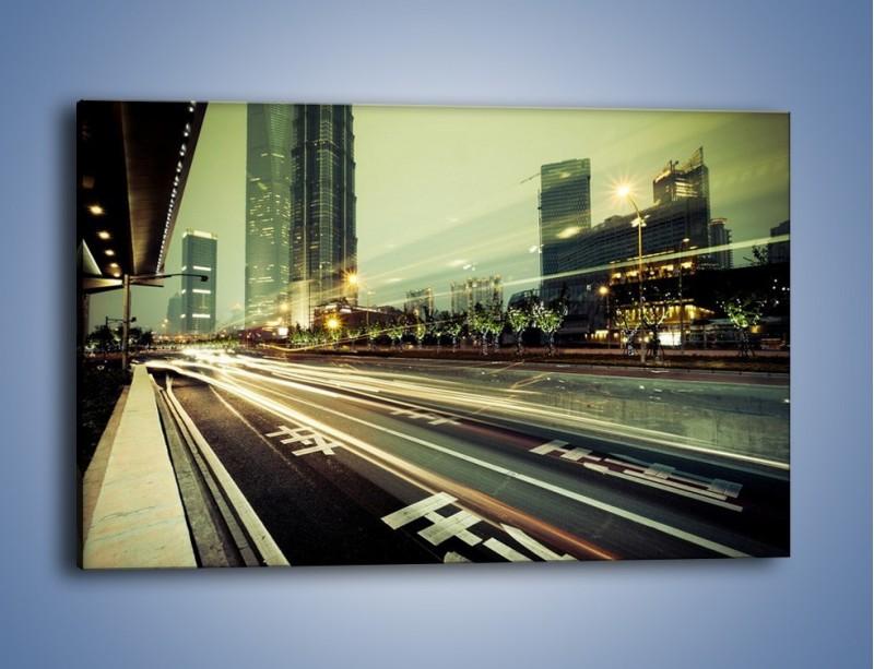 Obraz na płótnie – Uliczny ruch w świetle lamp w Tokyo – jednoczęściowy prostokątny poziomy AM127