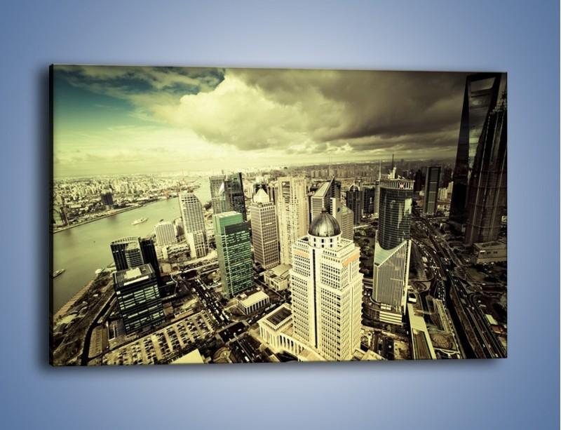 Obraz na płótnie – Ciemne chmury nad miastem – jednoczęściowy prostokątny poziomy AM130