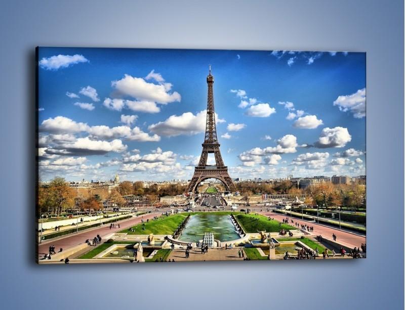 Obraz na płótnie – Wieża Eiffla w pochmurny dzień – jednoczęściowy prostokątny poziomy AM227