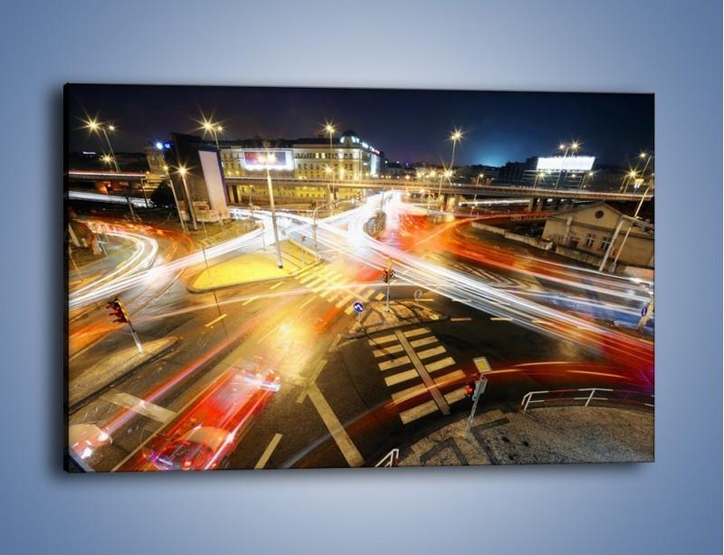 Obraz na płótnie – Światła samochodów w ruchu na skrzyżowaniu – jednoczęściowy prostokątny poziomy AM279