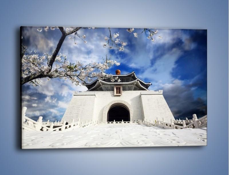Obraz na płótnie – Azjatycka architektura z białymi kwiatami – jednoczęściowy prostokątny poziomy AM300