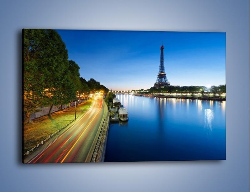 Obraz na płótnie – Zapadający zmrok w Paryżu – jednoczęściowy prostokątny poziomy AM385