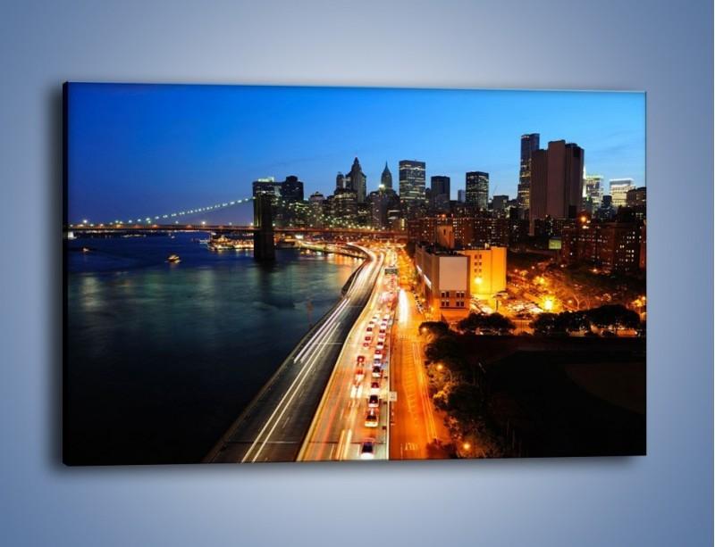 Obraz na płótnie – Manhattan wieczorową porą – jednoczęściowy prostokątny poziomy AM477