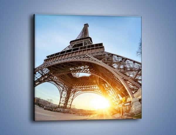 Obraz na płótnie – Wieża Eiffla w słońcu – jednoczęściowy kwadratowy AM403