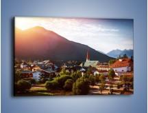 Obraz na płótnie – Austryjackie miasteczko u podnóży gór – jednoczęściowy prostokątny poziomy AM496
