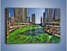 Obraz na płótnie – Chicago River w Dzień św. Patryka – jednoczęściowy prostokątny poziomy AM605