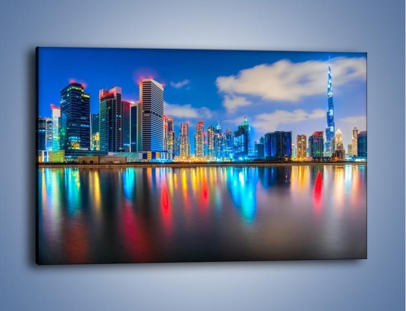 Obraz na płótnie – Kolory Dubaju odbite w wodzie – jednoczęściowy prostokątny poziomy AM740