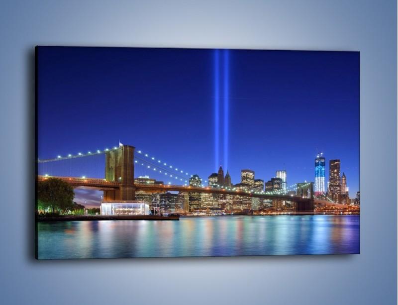 Obraz na płótnie – Świetlne kolumny w Nowym Jorku – jednoczęściowy prostokątny poziomy AM757