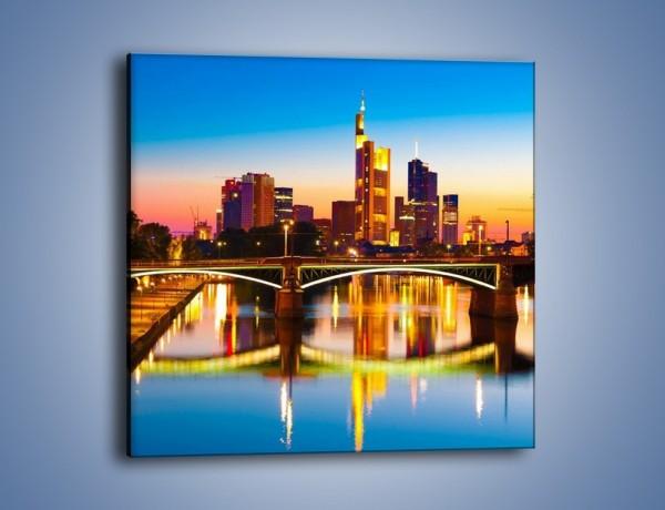 Obraz na płótnie – Oświetlony most we Frankfurcie – jednoczęściowy kwadratowy AM416