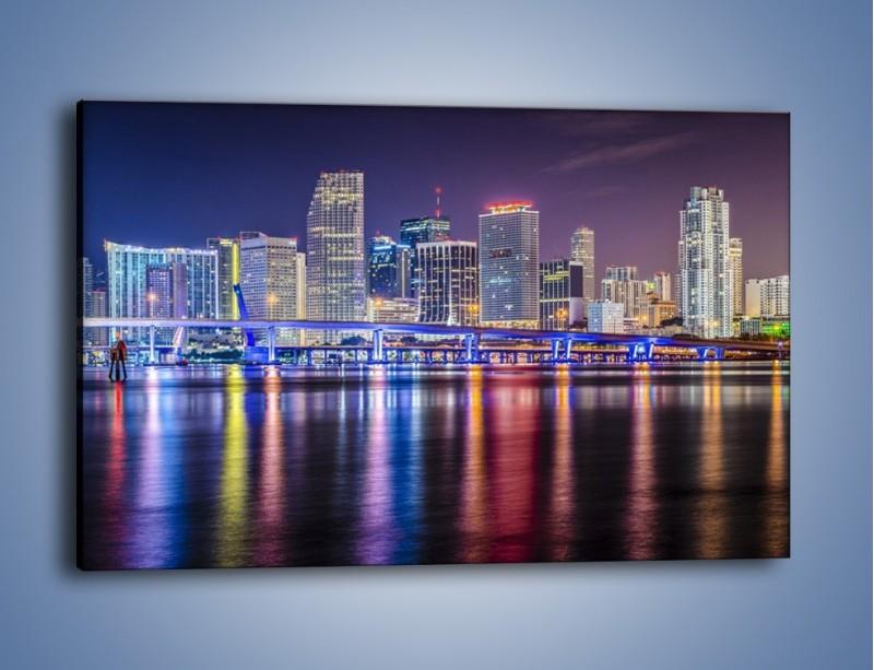 Obraz na płótnie – Światla Miami w odbiciu wód Biscayne Bay – jednoczęściowy prostokątny poziomy AM813