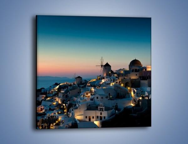 Obraz na płótnie – Domki na Santorini po zmierzchu – jednoczęściowy kwadratowy AM421
