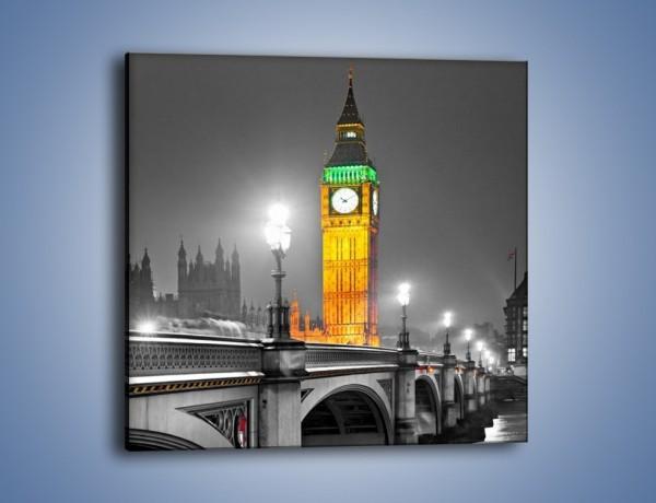 Obraz na płótnie – Oświetlony Big Ben na tle szarości – jednoczęściowy kwadratowy AM431