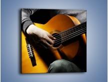 Obraz na płótnie – Chłopiec z gitarą – jednoczęściowy kwadratowy O109