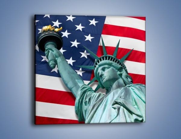 Obraz na płótnie – Statua Wolności na tle flagi USA – jednoczęściowy kwadratowy AM435