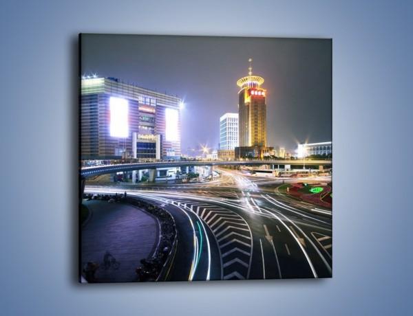 Obraz na płótnie – Oświetlone skrzyżowanie ulic w Szanghaju – jednoczęściowy kwadratowy AM446