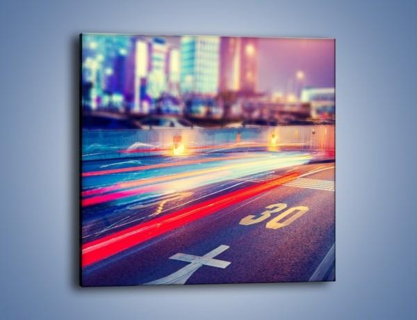 Obraz na płótnie – Ulica w ruchu świateł samochodowych – jednoczęściowy kwadratowy AM482