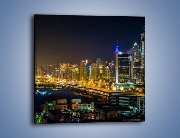 Obraz na płótnie – Oświetlony Dubaj nocą – jednoczęściowy kwadratowy AM506
