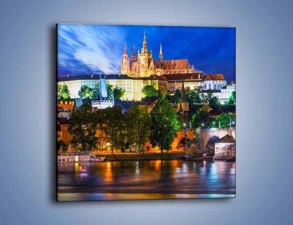 Obraz na płótnie – Czeska katedra nad rzeką Wełtawa – jednoczęściowy kwadratowy AM514